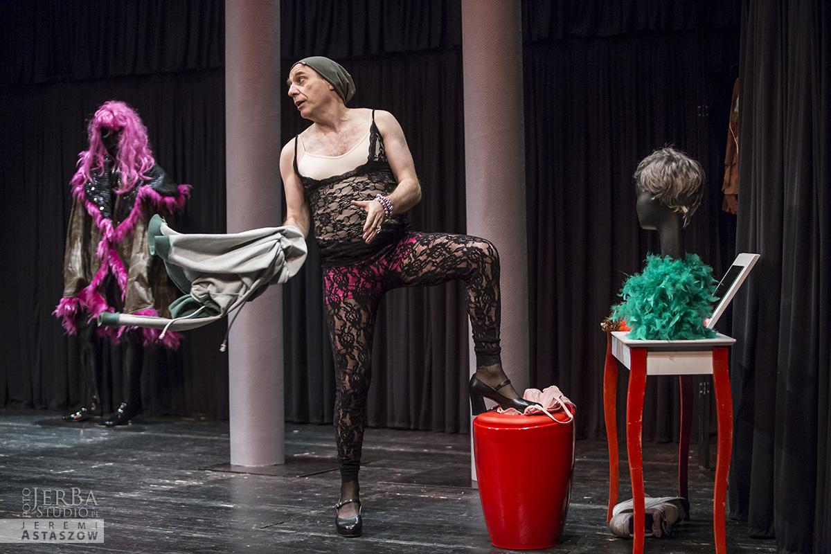 Jlatka dla ptaków, Teatr Gudejko - foto Jeremi Astaszow JerBa Studio (2)